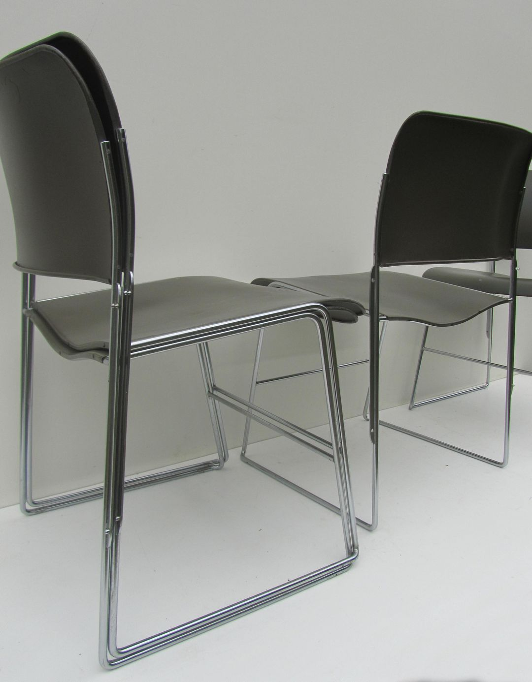 Vintage David Rowland 40 4 Stackable Chairs