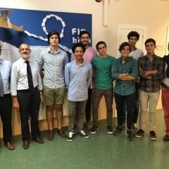 """Alumni de la promoción """"Galeón"""" (2016) estuvieron comiendo en el colegio"""