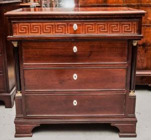 Antikke møbler (57)