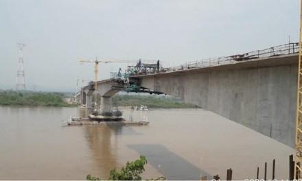 La construcción del puente que unirá a Cimitarra con Puerto Berrio, ya está en su fase final