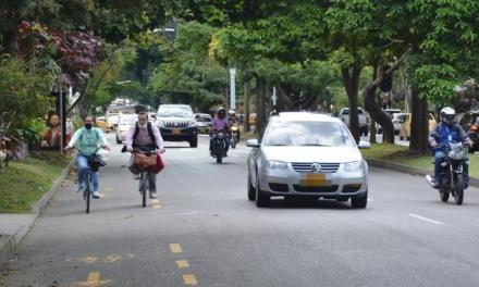 En Medellín aumentan los usuarios de bicicletas.