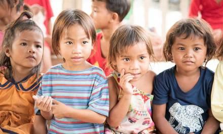 Caucasia se compromete con el cuidado de sus niños