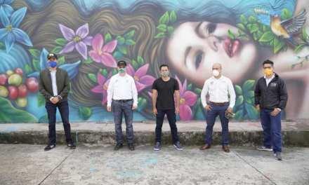 En Venecia se inauguró una calle con murales que representan historia