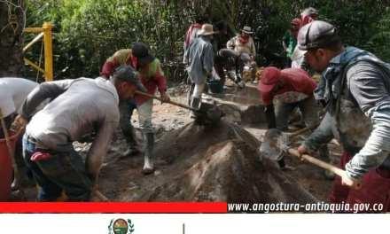 En Angostura finalizan el puente de La Esperanza