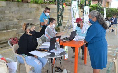 Primera oferta de servicios en La Honda- Liborina