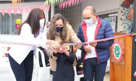 El FFIE entregó cuatro obras educativas en Antioquia