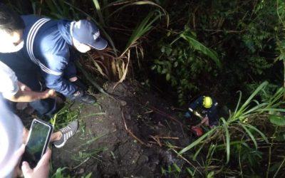 En Cocorná rescatan a un hombre que cayó a un abismo