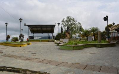 Valdivia trabaja en diferentes proyectos y ayudas