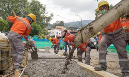 Alcaldía invierte $12.800 millones en nuevos andenes para Medellín