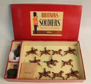 a BRITAIN'S BOXED SET (NO. 9419) ROYAL HORSE ARTILLERY GUN AND TEAM