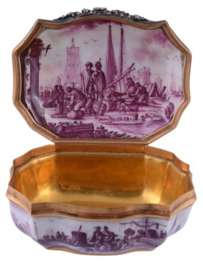 A Meissen doublée d'or and diamond mounted cartouche shaped porcelain snuff box, circa 1740