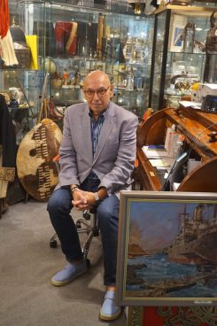 Leon Shrier is an expert in collecting military antiques