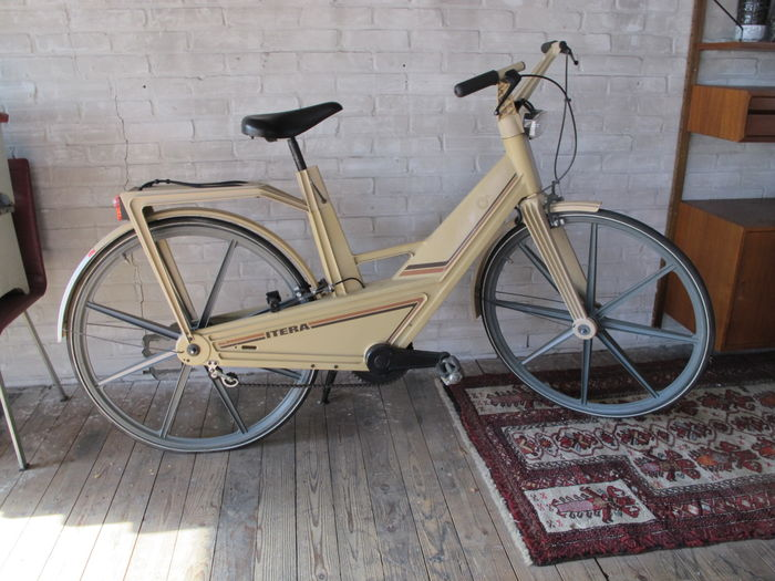 Volvo's Plastic Itera bicycle