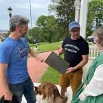'American Picker' Donates Plaque To LeClaire House