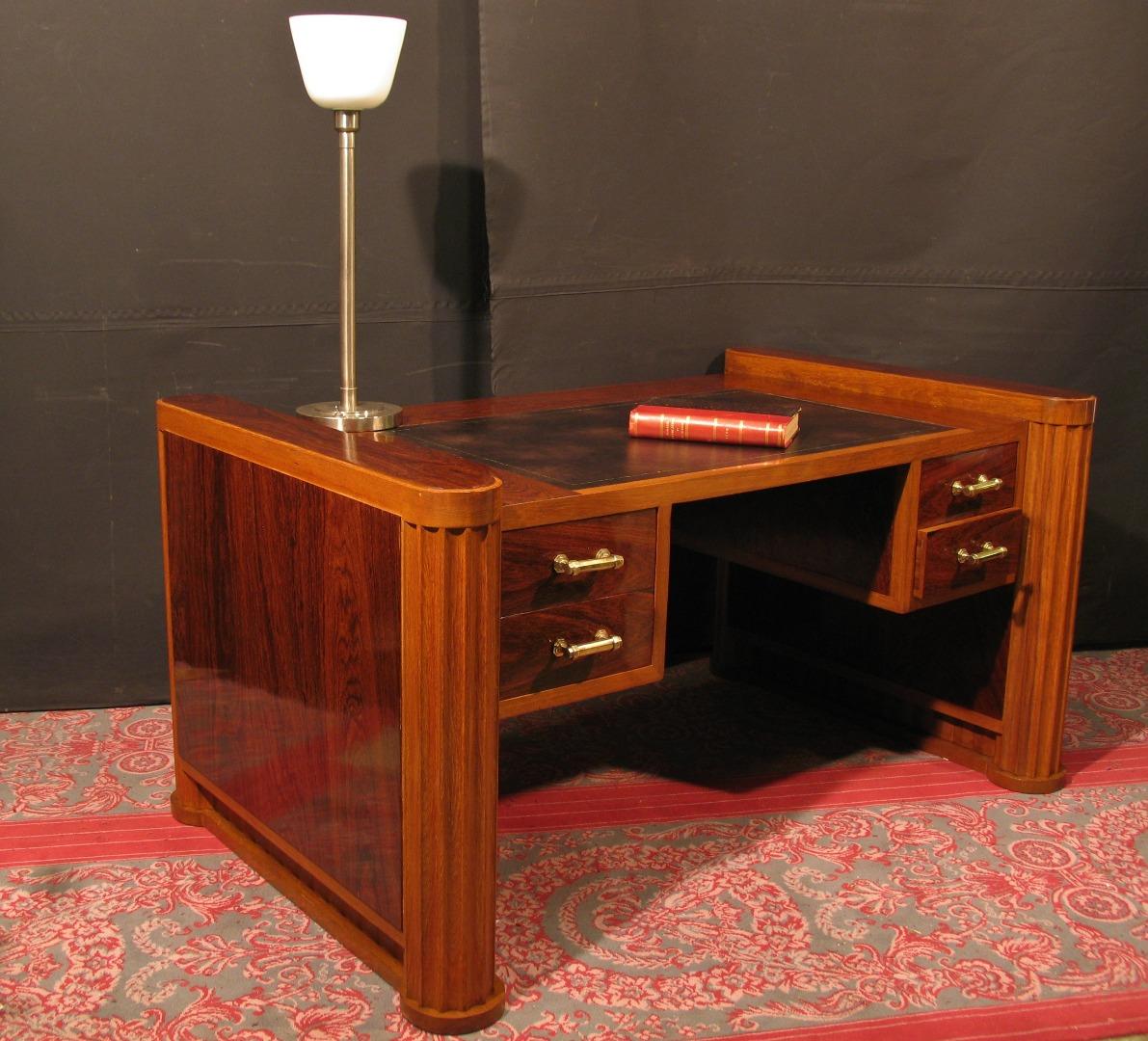 bureau plat art deco 1930 1940 en palissandre et teck design 4 tiroirs 71 5000 office flat art deco 1930 1940 rosewood and teak design 4 drawers