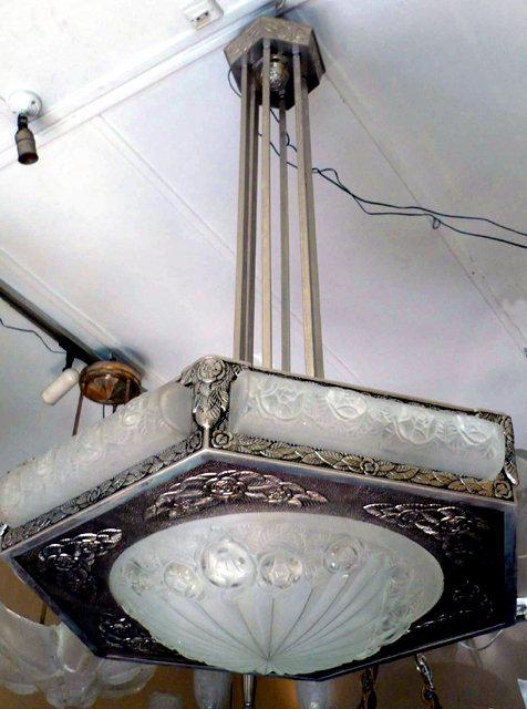 Magnificent Art Deco Deguà Chandelier For
