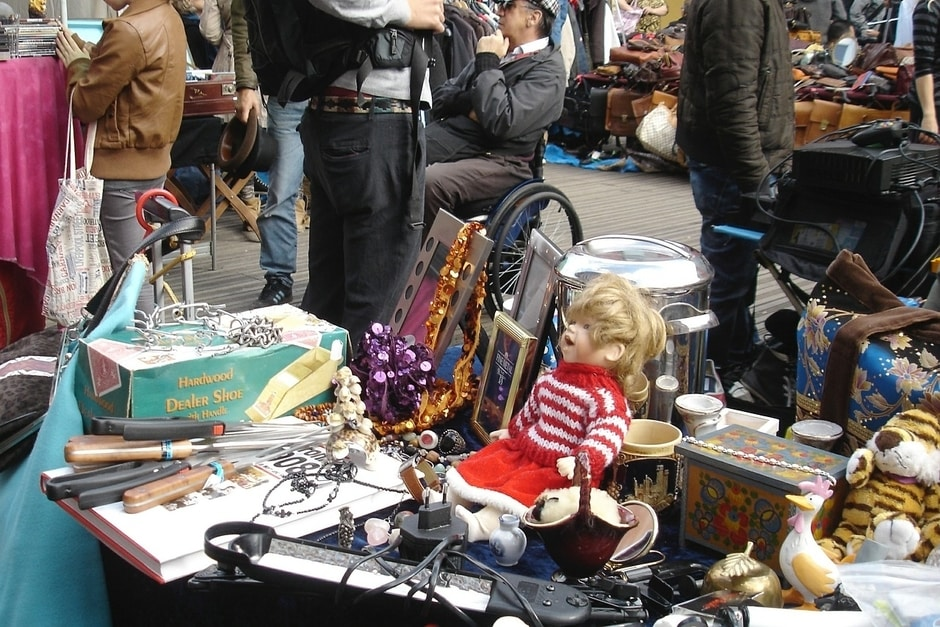 Junk Collectibles - The Bane of the Antiques Connoisseur