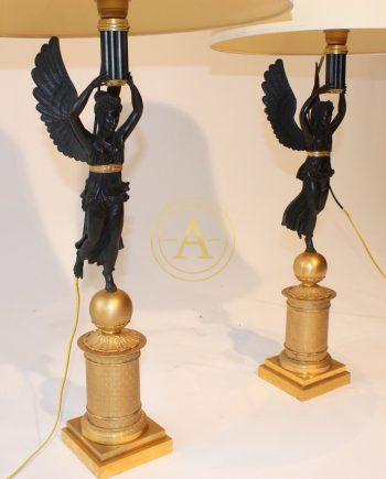 PAIRE DE LAMPES ATHENIENNES
