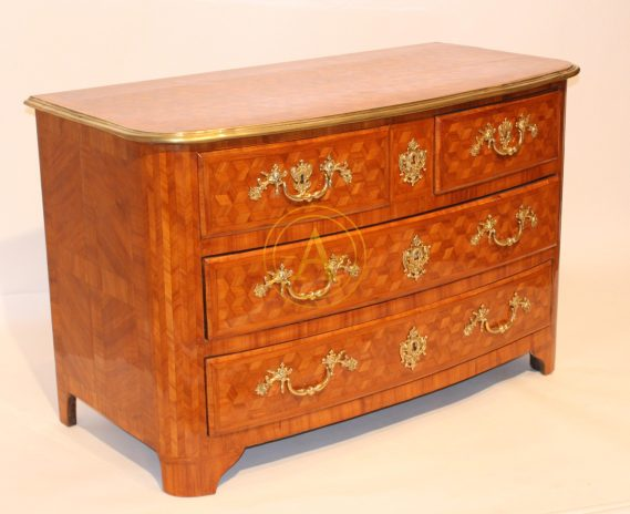 COMMODE MARQUETEE LOUIS XIV