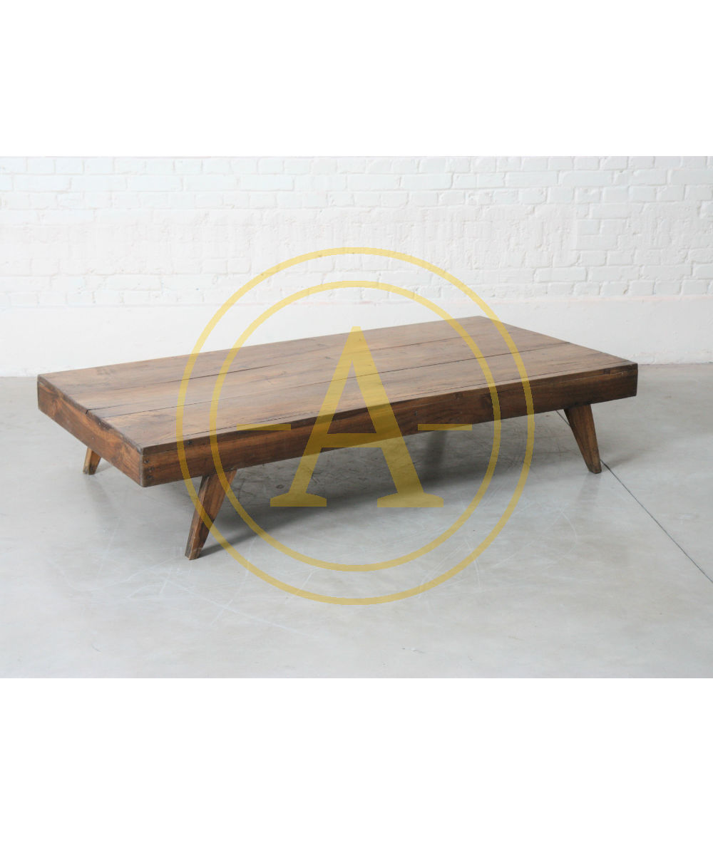 TABLE BASSE de Pierre JEANNERET (1896-1967)