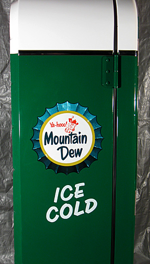 Mountain Dew Custom Design Vendo 81 A Antique
