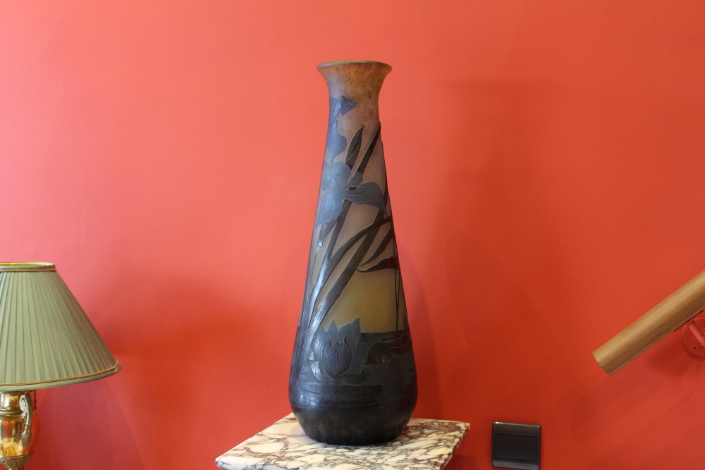 Gall Important Vase Aux Iris Et Nnuphars Antiquaire