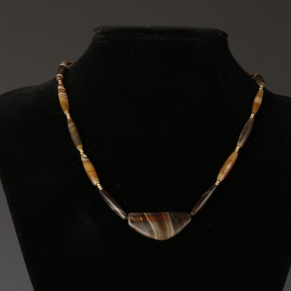 Necklace With Persian Beads And Gold