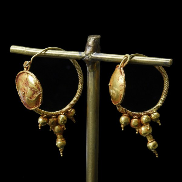 Roman Gold Earrings with Bosses