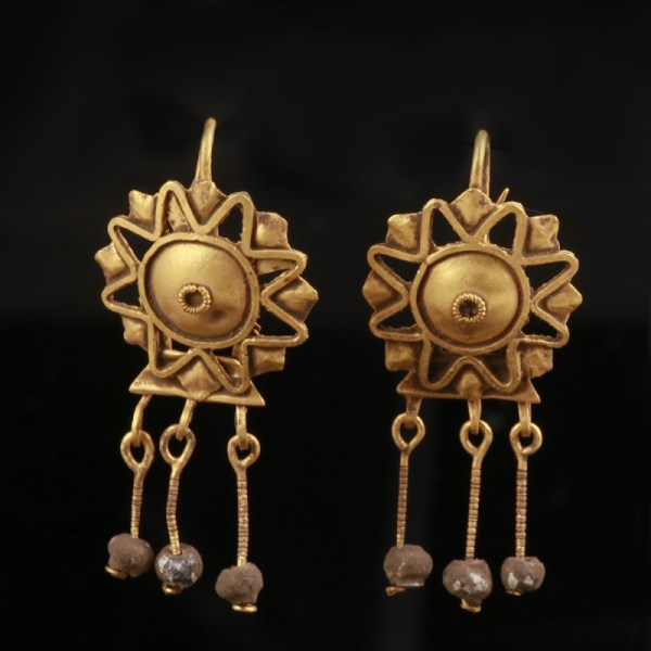 Roman Gold Star Earrings