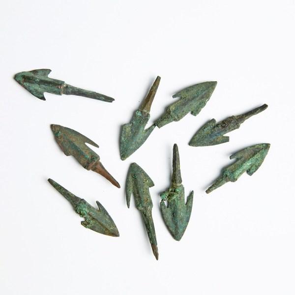 Anatolian Bronze Barbed Arrowhead Points