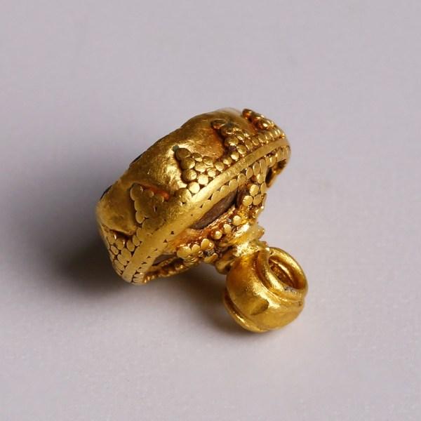 Assyrian Gold Pendant with Pyramid Granulation