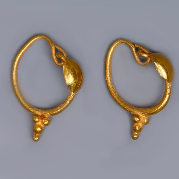 Roman Gold Earrings with Disks and Pendant Granules