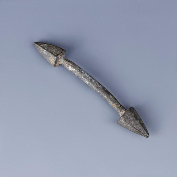 small celtic bronze toggles B