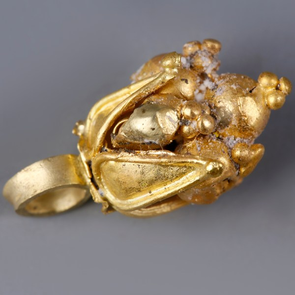 Ancient Greek Gold Pendant with Pomegranate-Shaped Beads
