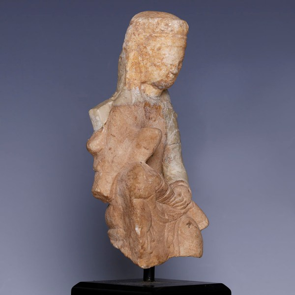 Tang Dynasty White Marble Seated Guanyin