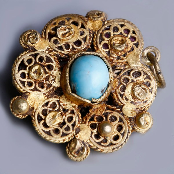 byzantine rosette gold pendant with turquoise