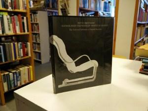 Suomalaisen huonekalun muoto ja sisältö (Riitta Miestamo)