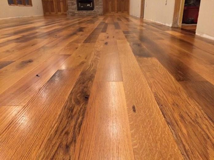 lantai kayu keras