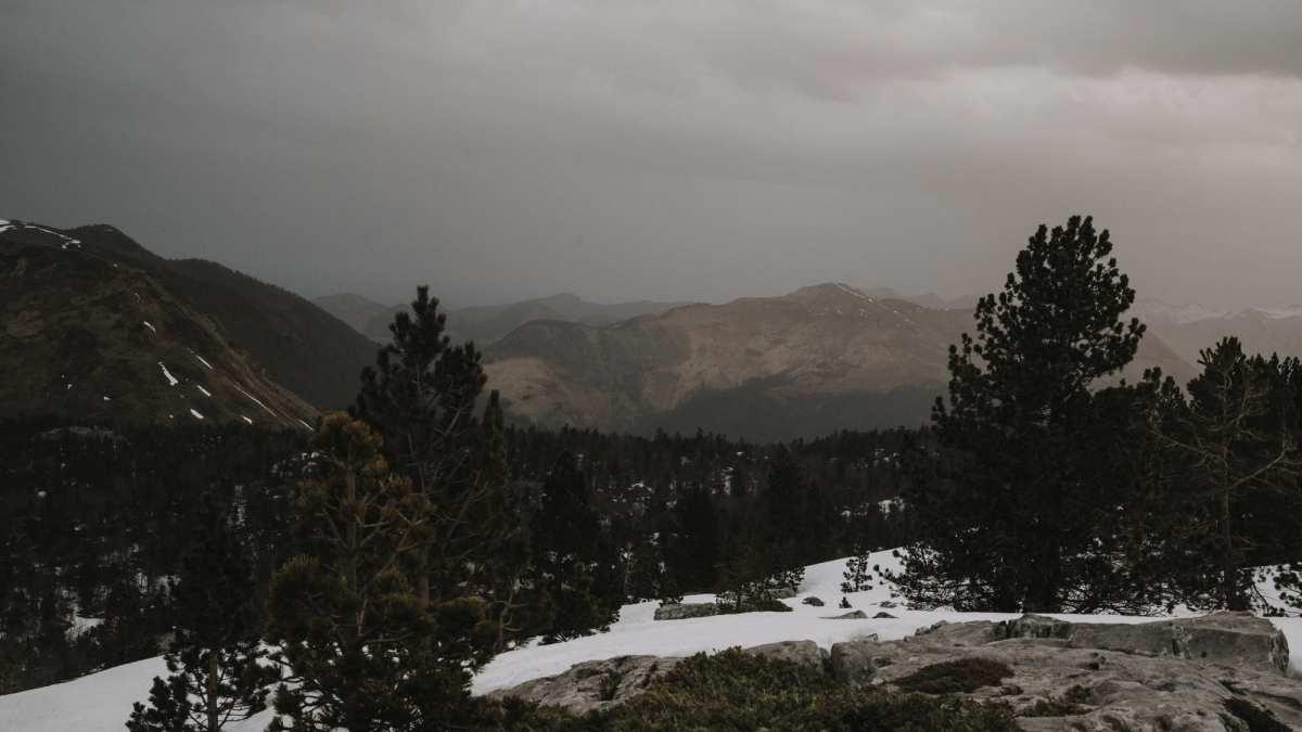 photo de paysage montagne pays basque levé de soleil