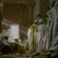 Zondagochtend, te kerk in Lalibela (2004)