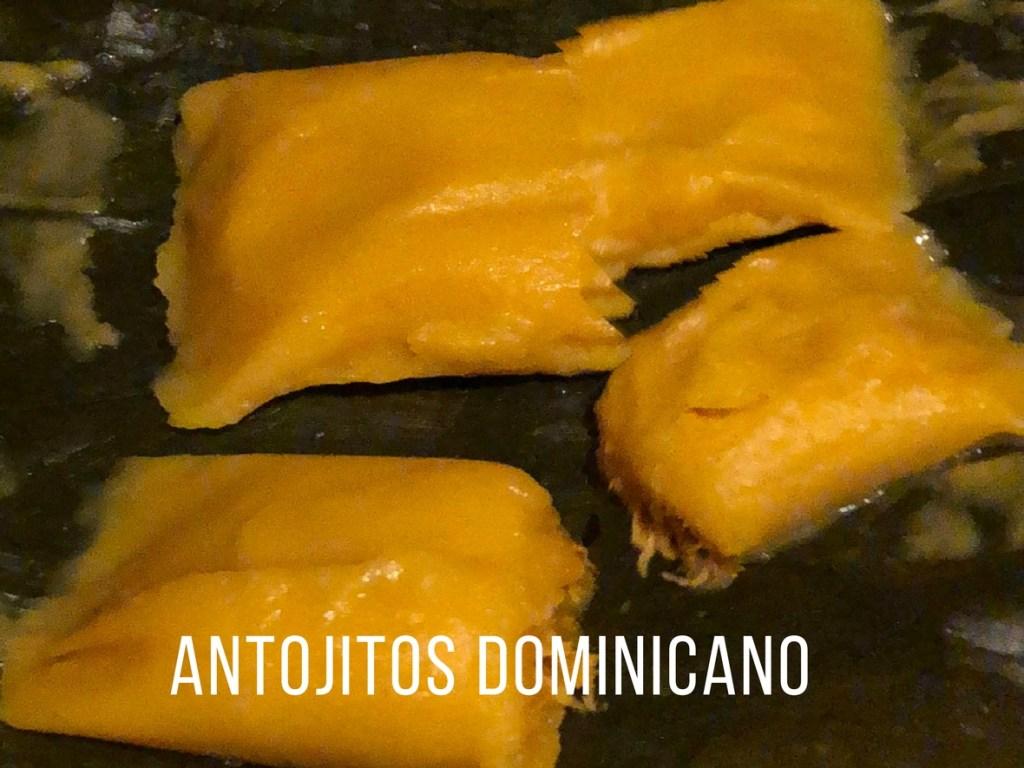 antojitos dominicano en newark new jersey comida tipica gastronomia dominicana pasteles de yuca de pernil