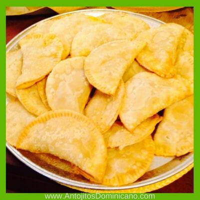 empanadas de harina dominicanas