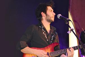 Loris Romano photographe guitariste pour votre mariage