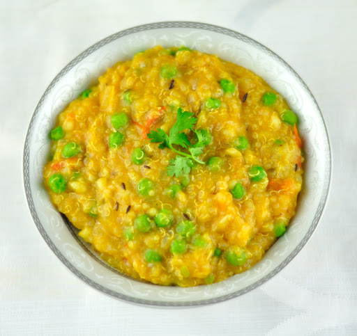 QUINOA MOONG DAL KHICHDI WITH VEGETABLES