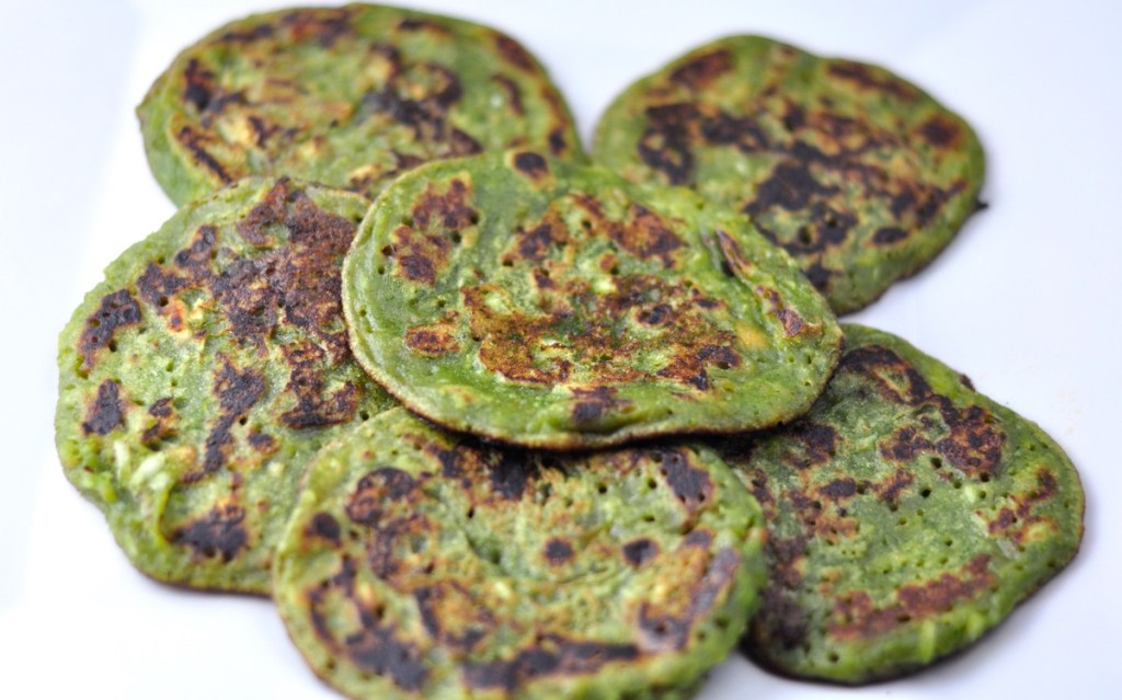 SPINACH BANANA PANCAKES WITH COCONUT AND NUTS IN 15 MINS