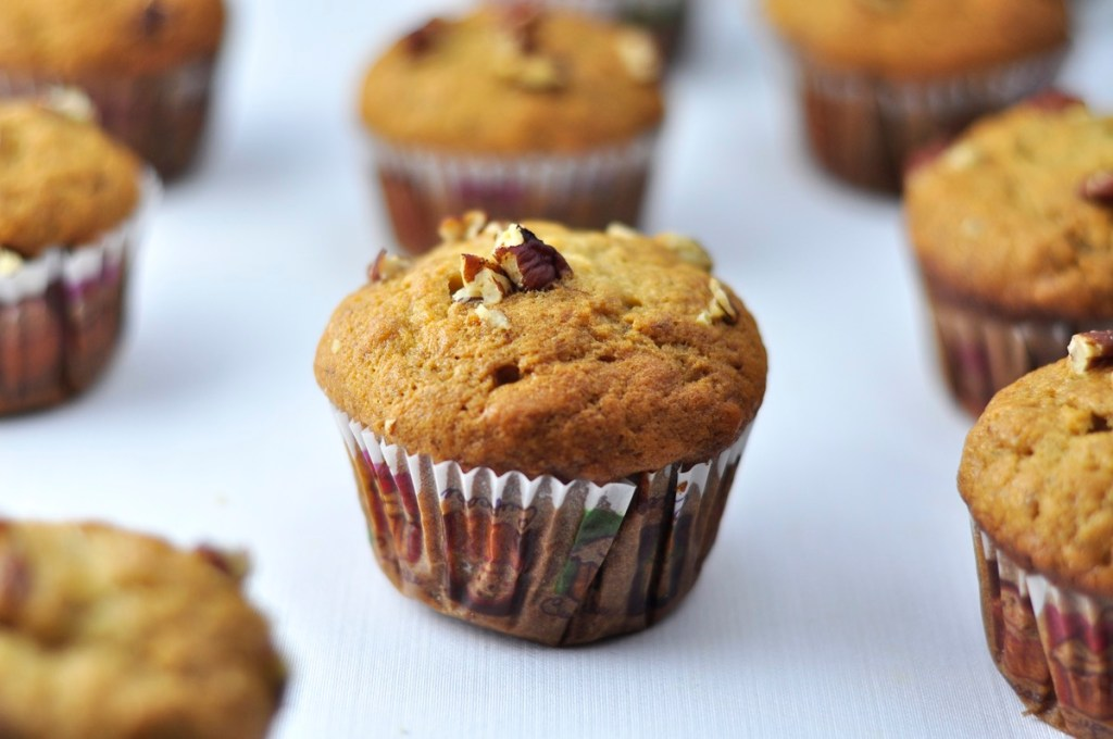 EASY AND HEALTHY BREAKFAST BANANA MUFFINS WITH HONEY IN 40 MINS