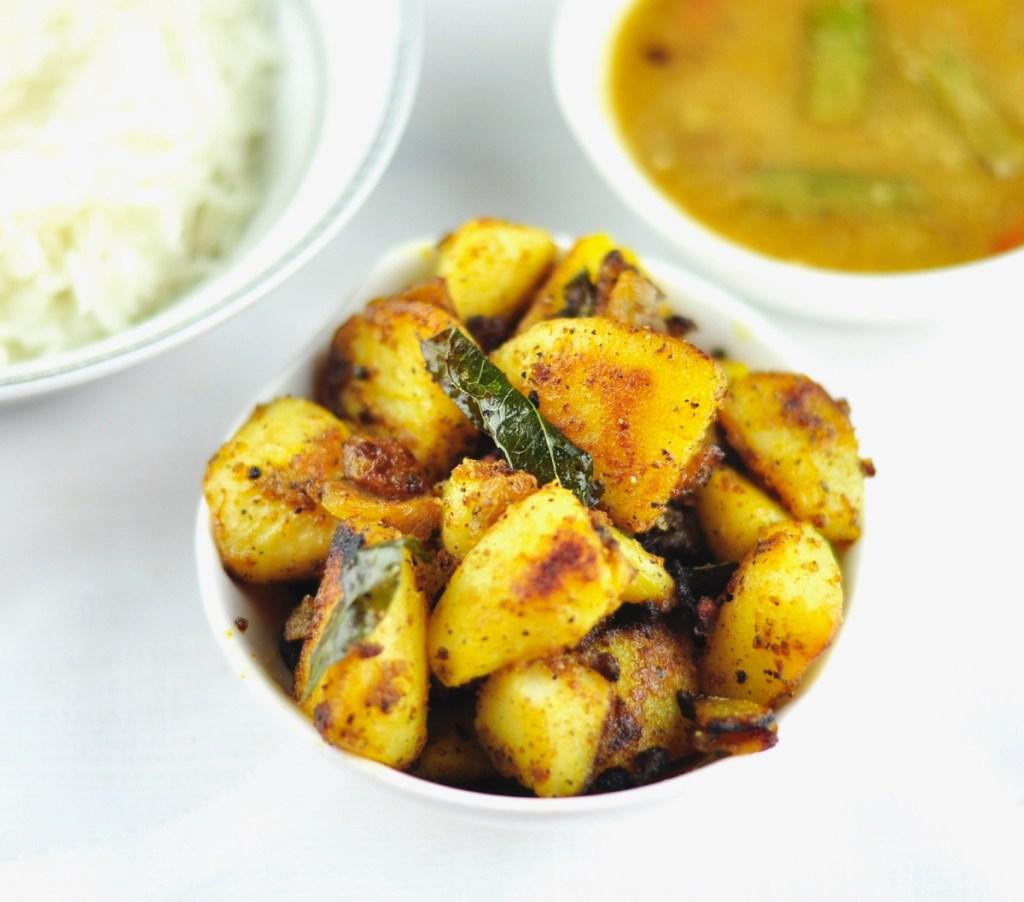 Potato Pepper Fry (Aloo Pepper Fry)