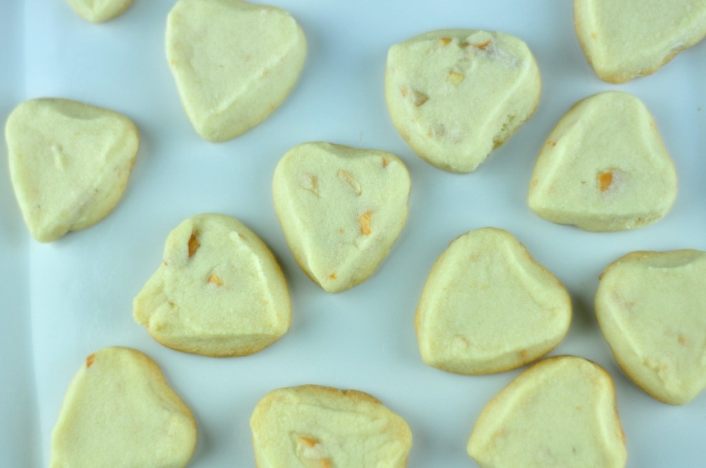 SHORTBREAD COOKIES WITH CASHEW NUTS
