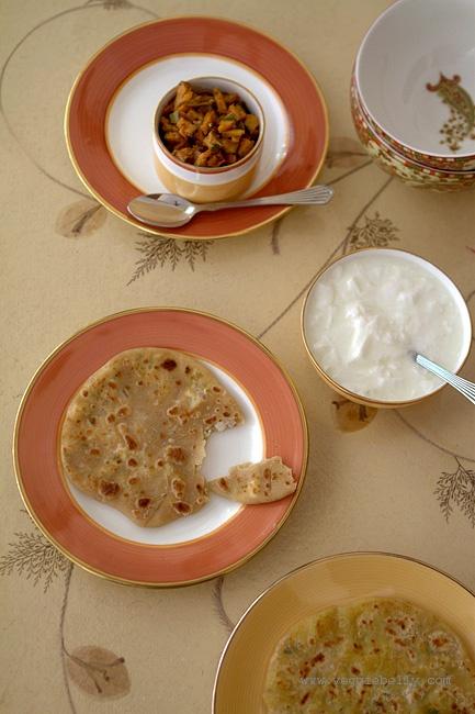 paneer-paratha-yogurt-pickl