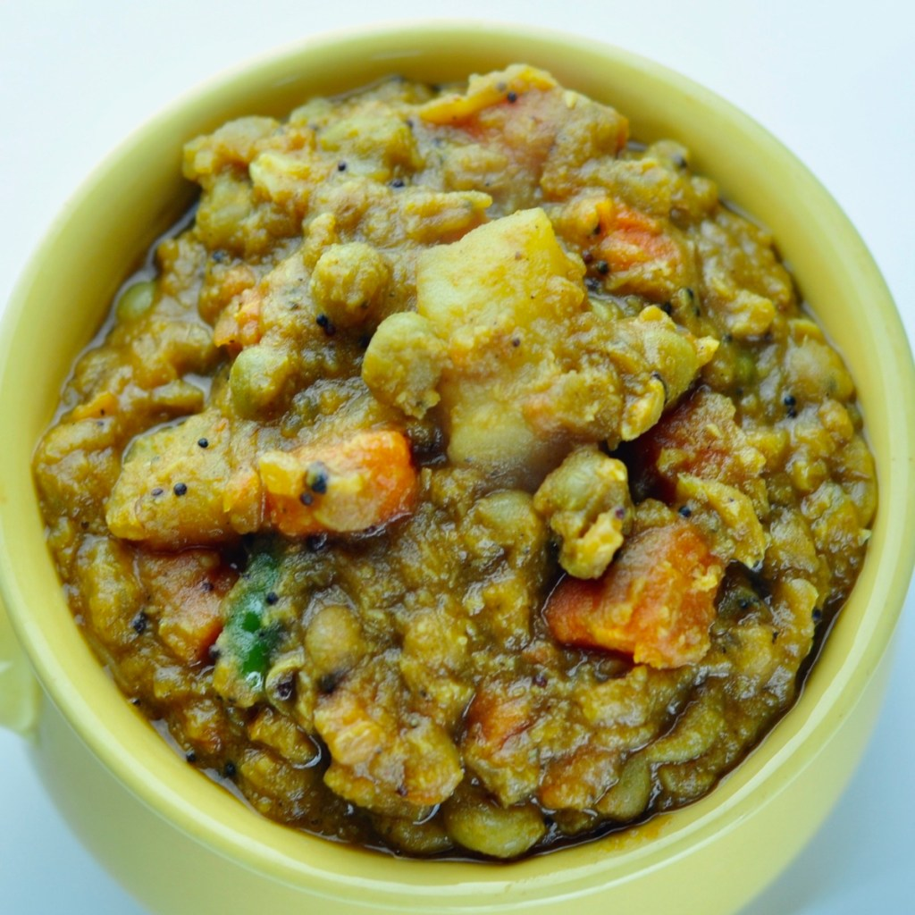 Green Peas Carrot Potato Curry